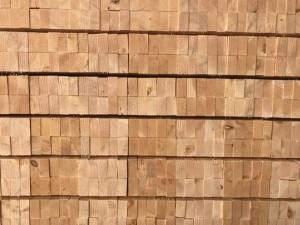 赤松の桟木の写真