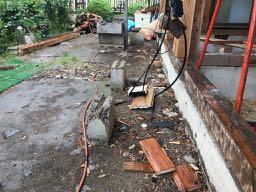 解体工事中の写真