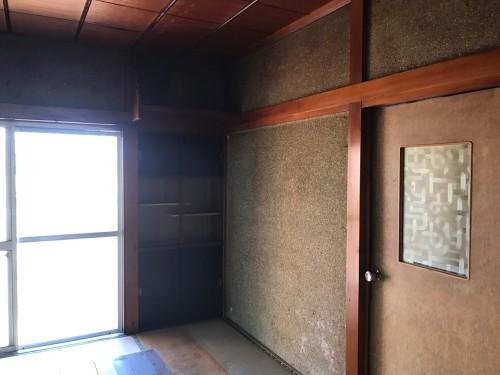工事前は畳・塗り壁・目透かし天井の真壁和室でした