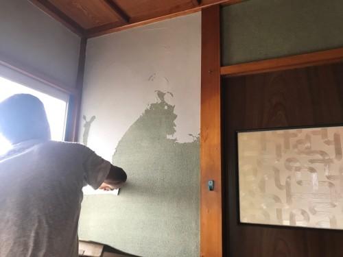 下塗りをします。