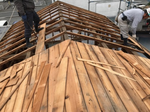 野地板の解体工事