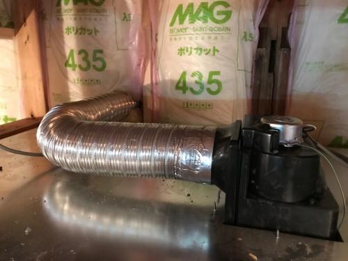 換気扇のダクト接続工事