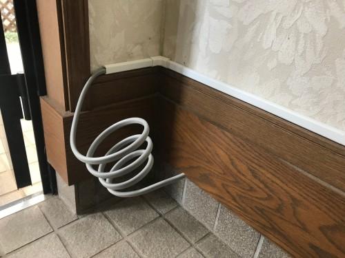 電気錠なので配線工事も施工